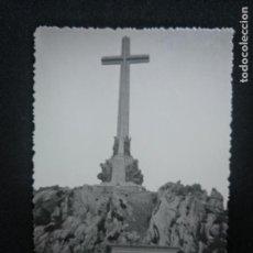 Fotografía antigua: FOTOGRAFÍA ANTIGUA VALLE DE LOS CAÍDOS FRANCO JUAN DE ÁVALOS. Lote 171461797