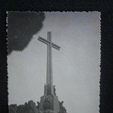 Fotografía antigua: FOTOGRAFÍA ANTIGUA VALLE DE LOS CAÍDOS FRANCO JUAN DE ÁVALOS. Lote 171461827