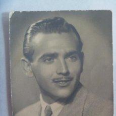 Fotografía antigua: BONITO RETRATO DE SEÑOR CON CARA DE CLARK GABLE. SEVILLA 1944. Lote 171828135
