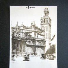 Fotografía antigua: AÑO 1932. SEVILLA. ANTIGUA FOTOGRAFÍA CATEDRAL, GIRALDA Y COCHES DE ÉPOCA. . Lote 172641958