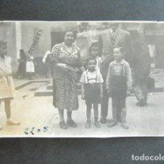 Fotografía antigua: AÑO 1950. BARCELONA. ANTIGUA FOTOGRAFÍA. AVENIDA DEL PARALELO.. Lote 172787945