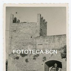 Fotografía antigua: FOTO ORIGINAL ALCUDIA PUERTA DE ENTRADA MURALLA AÑOS 40/50 MALLORCA BALEARES. Lote 175679343