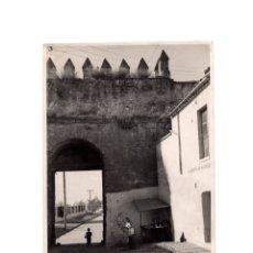 Fotografía antigua: CÓRDOBA.- CUESTA DEL CASTILLO DE ALMODÓVAR, ENTRADA. 12,5 X 17,5. Lote 175830072