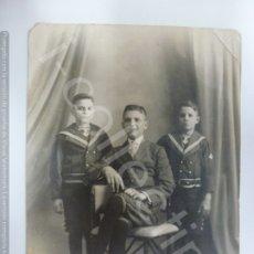 Fotografía antigua: FOTOGRAFÍA ANTIGUA. NIÑOS DE COMUNIÓN EN 1919. (14,5 CM X 10 CM). Lote 176725912