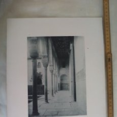Fotografía antigua: GRANADA ALHAMBRA,GALERIA PATIO DE LOS ARRAYANES. 1892. IMPRESA POR HAUSER Y MENET ANTIGUA FOTOTIPIA.. Lote 176769027
