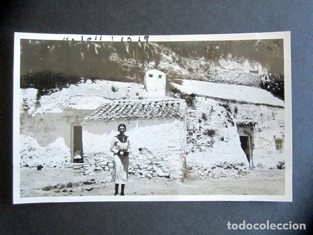 AÑO 1932. GRANADA. CUEVAS DE GITANOS. ANTIGUA FOTOGRAFÍA. 11,3 X 7 CM. (Fotografía Antigua - Fotomecánica)