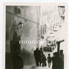 Fotografía antigua: FOTO ORIGINAL MADRID RESTAURANTE LAS CUEVAS DE LUIS CANDELAS COCHE AUTOMOVIL AÑO 1961. Lote 176924585