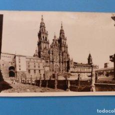 Fotografía antigua: SANTIAGO DE COMPOSTELA, CATEDRAL - EL SOL PAPELERIA - AÑOS 1950, FOTOGRAFICA. Lote 177294527
