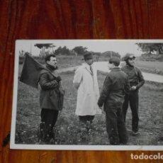 Fotografía antigua: FOTOGRAFIA PERSONAL CONTROL CARRERA -. Lote 177595689