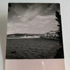Fotografía antigua: FOTOGRAFÍA ANTIGUA ESCUELA NAVAL MILITAR EN LA RÍA DE PONTEVEDRA. Lote 177689729