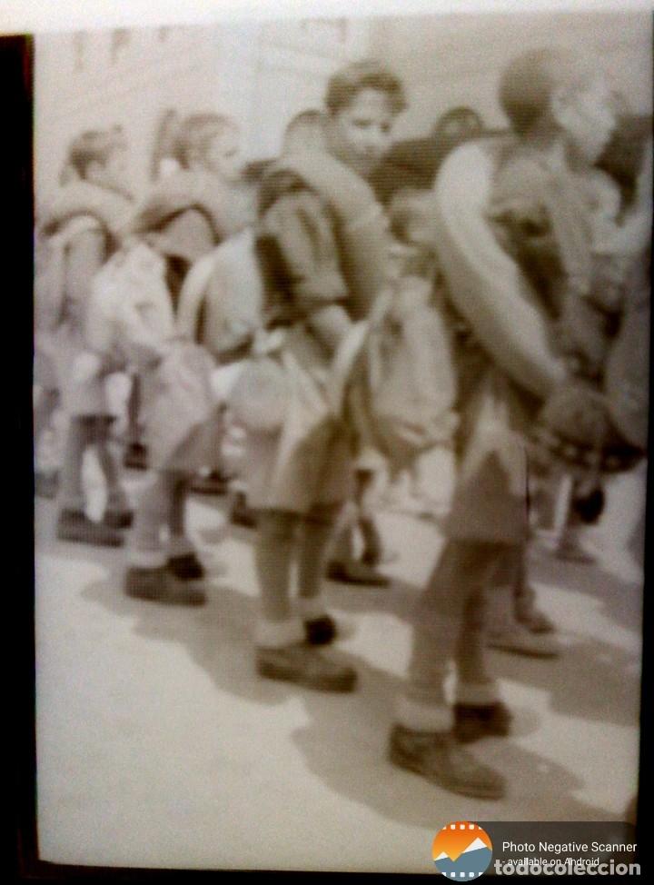 Fotografía antigua: 34 cliches originales de flechas marchando hacia el campamento en tren y del campamento años 40 - Foto 10 - 178221045