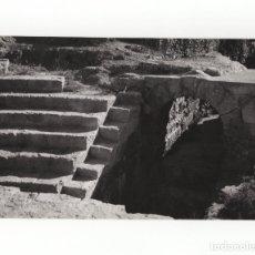 Fotografía antigua: MÁLAGA.- TEATRO ROMANO. FOTO GUERRERO. 12X18.. Lote 178377671