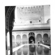 Fotografía antigua: ANTIGUA FOTOGRAFIA. 1964. GRANADA. ALHAMBRA. 7 X 10CM. Lote 178751883