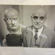 Fotografía antigua: JOSEP MARIA CAMPS I ARNAU (1879-1968) ESCULTOR MODERNISTA CATALÁN. FOTO CON DEDICATORIA AL REVERSO. Lote 179314853