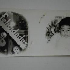 Fotografía antigua: PRECIOSA FOTO DE ESTUDIO DE BEBE EN TARJETA DE FELICITACIÓN DE NAVIDAD, 1971. Lote 179331947