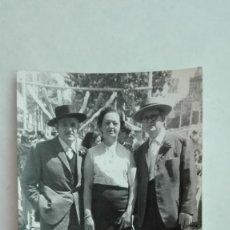 Fotografía antigua: MINUTERO DE FOTOGRAFO DE FERIA: ADULTOS EN EL REAL CON SOMBRERO. Lote 180110516