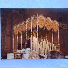 Fotografía antigua: SEMANA SANTA SEVILLA. VIRGEN DE LA ANGUSTIA, LOS ESTUDIANTES. AÑOS 80. 15 X 20 CM.. Lote 180946371