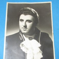 Fotografía antigua: FOTOGRAFIA DEL CANTANTE DE ÓPERA ITALIANO ´CARLO BERGONZI´. 23,5 X 17,5 CM.. Lote 182509555