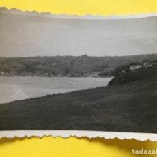 Fotografía antigua: SUANCES 1961 VISTA PLAYA DESDE EL FARO 9X6,5 CM FOTOGRAFIA SUANCES B Y N. Lote 182602155
