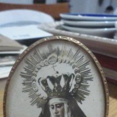 Fotografia antica: ANTIGUA FOTOGRAFIA EN MARCO OVALADO.VIRGEN SIN IDENTIFICAR.SIGLO XX. Lote 182727975
