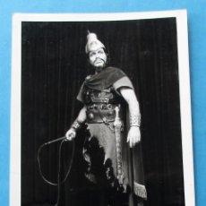 Fotografía antigua: FOTOGRAFIA DEL CANTANTE DE ÓPERA ´FRANCO VENTRIGLIA´. 15 X 10,5 CM. FIRMADA ATRÁS. Lote 182958746