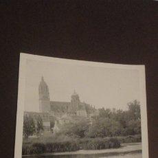 Fotografía antigua: ANTIGUA FOTOGRAFIA.VISTA DE SALAMANCA.FOTO GONZALO AÑOS 60. Lote 183008045
