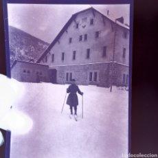 Fotografía antigua: CELULOIDE NEGATIVO MADRID ESQUIADOR 1920-30. Lote 183025556
