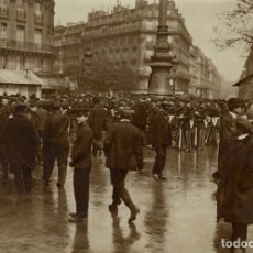 Fotografía antigua: TROOPS AT PARIS FRANCE 16*12CM FONDS VICTOR FORBIN 1864-1947. Lote 195368396