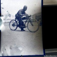 Fotografía antigua: CELULOIDE NEGATIVO SOBRE 1930 MOTO ANTIGUA. MADRID.. Lote 183045181