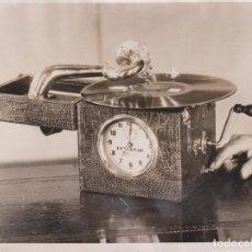 Fotografía antigua: JAZZ TUNES INSTEAD ALARM BELL CLOCK GRAMOPHONE CLOCK FRENCH INVENTION 20*15CM FONDS VICTOR FORBIN 18. Lote 183183717