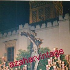 Fotografía antigua: SEMANA SANTA SEVILLA, SANTISIMO CRISTO DE LA SANGRE, SAN BENITO, 10X15 CMS. Lote 183322502