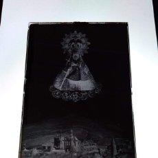 Fotografía antigua: GUADALUPE CÁCERES ANTIGUO CLICHÉ DE SANTA MARÍA DE GUADALUPE REINA DE LAS ESPAÑAS NEGATIVO CRISTAL. Lote 183839906