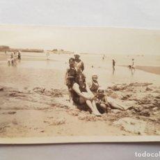 Fotografía antigua: FAMILIA, FAMILY, FAMILLE 1938, PLAGE, BEACH, PLAYA RAMIREZ MONTEVIDEO URUGUAY. Lote 184670796
