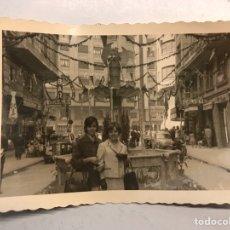 Fotografía antigua: FALLAS, VALENCIA FOTOGRAFÍA. CALLEJEANDO LA CIUDAD.. AVDA. BARON DE CARCER Y ALEDAÑOS? (H.1960?). Lote 185660427