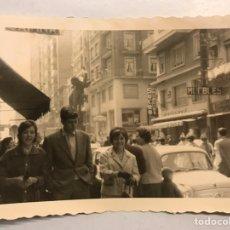 Fotografía antigua: FALLAS, VALENCIA FOTOGRAFÍA. CALLEJEANDO LA CIUDAD.. AVDA. BARON DE CARCER Y ALEDAÑOS? (H.1960?). Lote 185660442