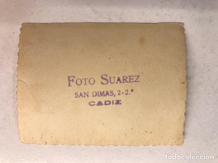 Fotografía antigua: CÁDIZ. Fotografía Original. Las Chicas De la Cruz Roja.. FOTO: Suárez (h.1950?) - Foto 2 - 185660477