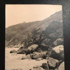 Fotografía antigua: FOTOGRAFIA SUANCES PLAYA DE LOS LOCOS 1964 ANTIGUA FOTOGRAFIA SUANCES 9,8X7,4 BUEN ESTADO. Lote 187110237
