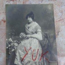 Fotografia antica: ANTIGUA Y BONITA FOTO DE FALLERA -- 1918 --- FOTOGRAFIA J. DERREY --- FALLAS VALENCIA. Lote 187519792