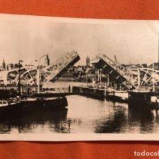 Fotografía antigua: ANTIGUA FOTOGRAFIA LONDES LONDON BRIDGE FOTO RIO BARCOS PUENTE BASCULANTE ABIERTO . Lote 187619992