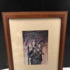 Fotografía antigua: IMPRESION DE LA VIRGEN EN CUADRO ACRISTALADO. Lote 190990453
