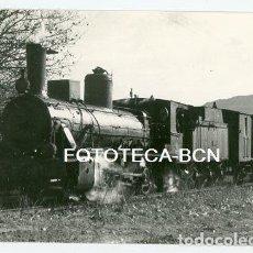 Fotografía antigua: FOTO LOCOMOTORA VAPOR TREN FERROCARRIL ALREDEDORES DE VIMBODI TARRAGONA AÑO 1964. Lote 191067822
