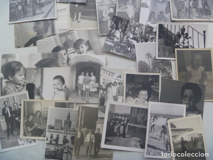 Fotografía antigua: LOTE DE 100 FOTOS FAMILIARES EN BLANCO Y NEGRO, AÑOS 50 - 60, ETC - Foto 2 - 191254143