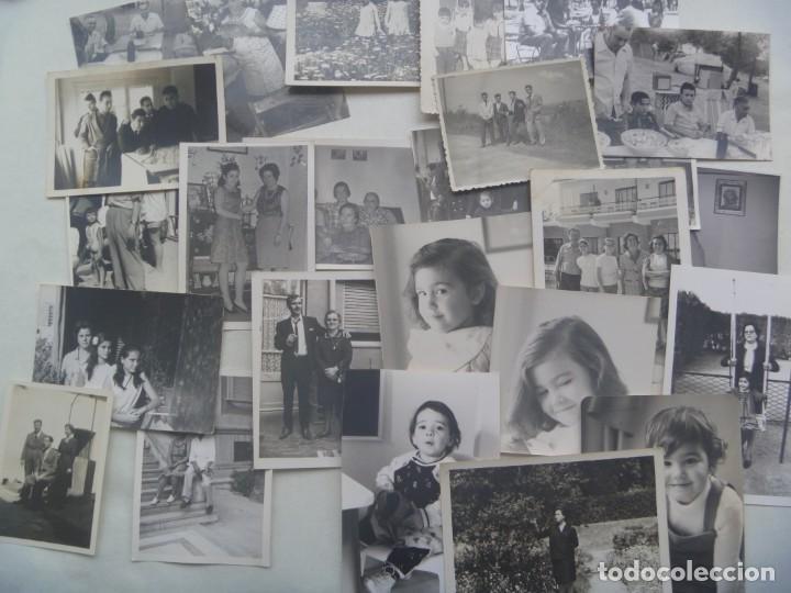 Fotografía antigua: LOTE DE 100 FOTOS FAMILIARES EN BLANCO Y NEGRO, AÑOS 50 - 60, ETC - Foto 3 - 191254143