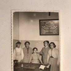 Fotografía antigua: VALENCIA. FOTOGRAFÍA AQUELLAS LEJANAS ESCUELAS DE LOS AÑOS CINCUENTA.. FOTO: F. ÁBRAILA (A.1953). Lote 191332648