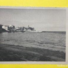 Fotografía antigua: FOTO LUANCO GOZÓN ASTURIAS PARROQUIA IGLESIA DE SANTA MARIA PLAYA ACANTILADO MAR 14,8X11,9 CM. Lote 192318710