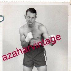 Fotografía antigua: ANTIGUA FOTOGRAFIA DEL BOXEADOR GEORGES MIGNON, CAMPEON DEL CONGO BELGA, 9X14 CMS. Lote 193997540