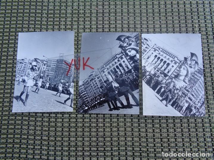 3 CURIOSAS FOTOS FALLAS DE VALENCIA - FALLA PLAZA DEL CAUDILLO - 1974 - DESFILE GUARDIA CIVIL (Fotografía Antigua - Fotomecánica)