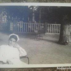 Fotografía antigua: JOVEN ENFERMERA - MUY GUAPA - ANTIGUA FOTOGRAFÍA. Lote 194293610
