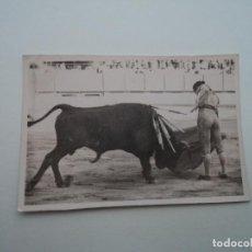 Fotografía antigua: DOS FOTOS-CROMOS TAURINOS 3,5 X 5,5 CM. Lote 194572420
