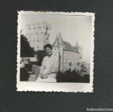 Fotografía antigua: ANTIGUA FOTOGRAFIA SEGOVIA EL ALCAZAR AÑOS CINCUENTA. Lote 194778777